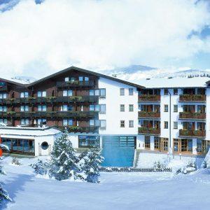 Hotel Kroneck - DAKA VIP SKITRIP Kirchberg: al jaren een zeer geliefde bestemming voor een wintersportvakantie in Oostenrijk. Het centrum wordt gekenmerkt door een middeleeuws kerkje omringd door vele winkels